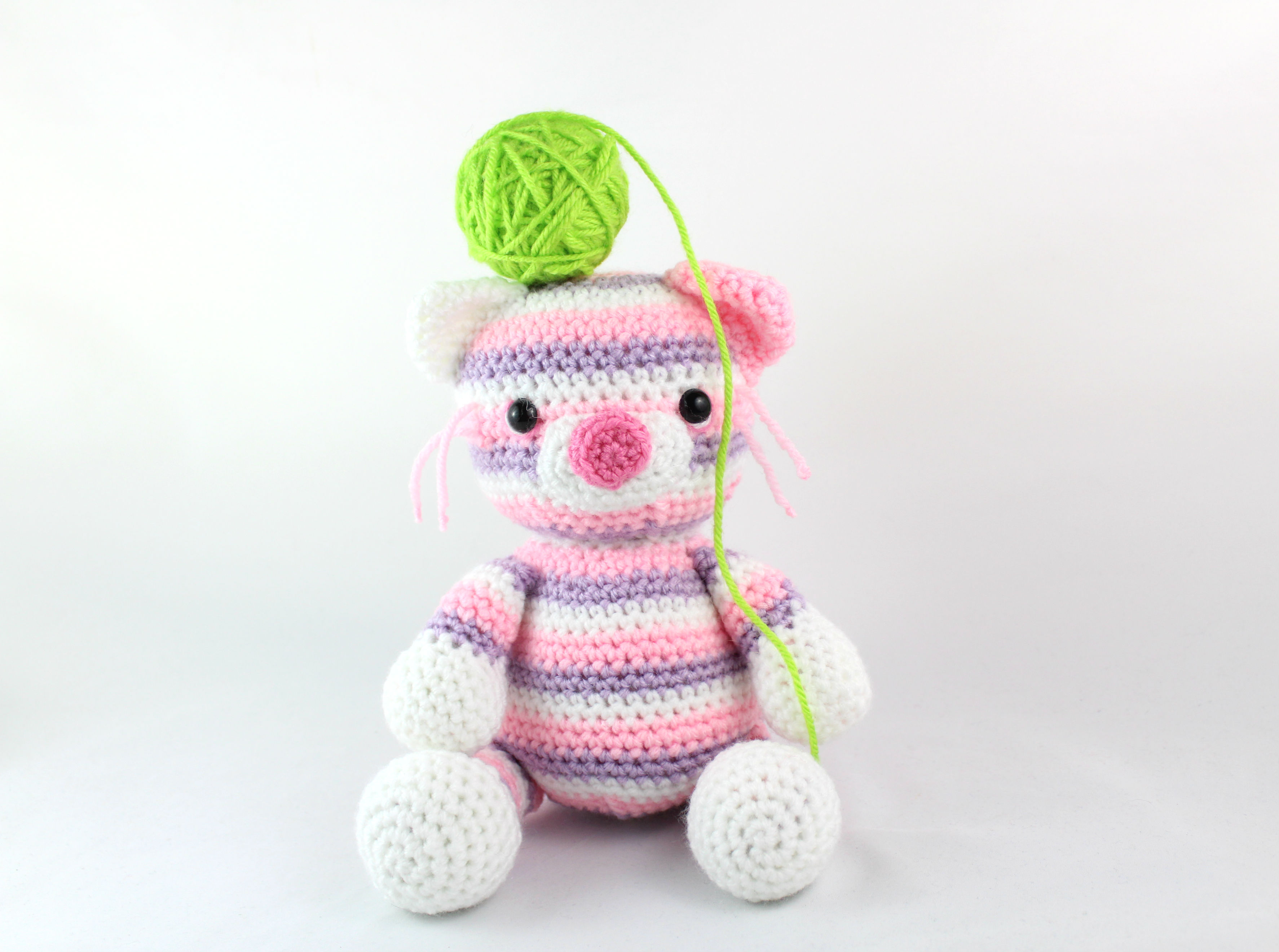 Laid Back Cat Crochet Pattern Is Adorable | The WHOot | 2641x3547