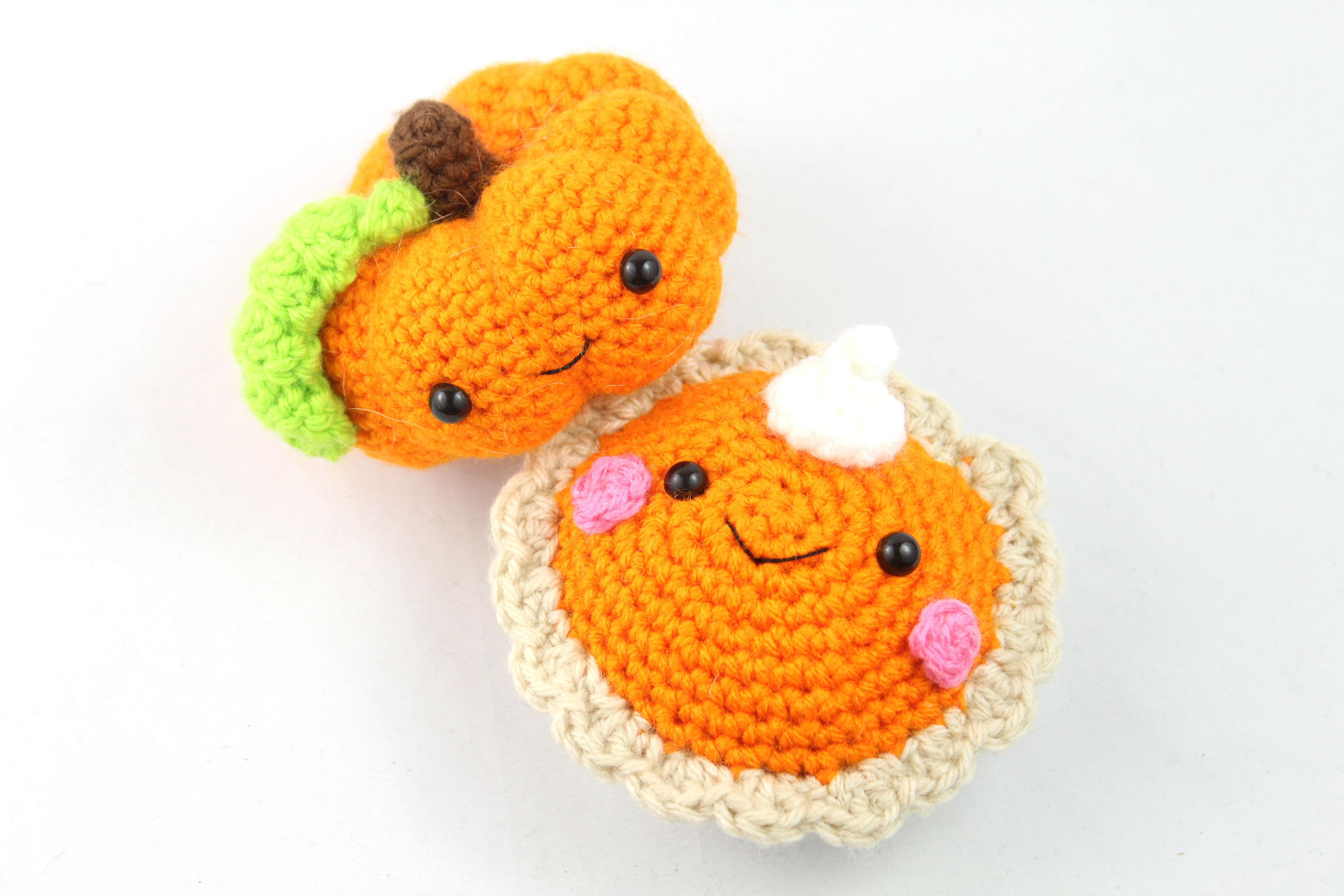 Amigurumi Pumpkin pattern by Eden Dintsikos - Ravelry | 2667x4000
