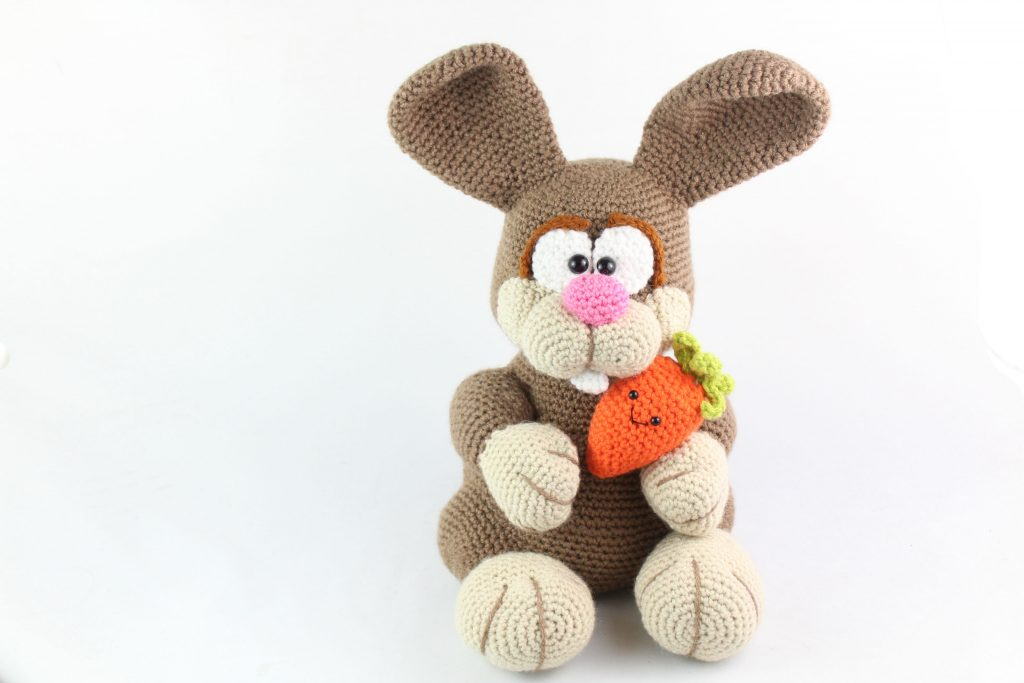 Amigurumi bunny with Easter egg | Easter bunny crochet pattern ... | 683x1024