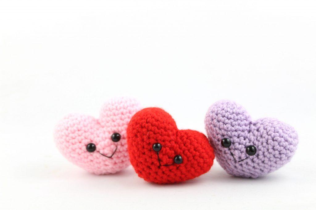 free amigurumi pattern heart valentines day