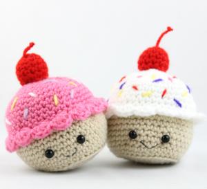 free amigurumi crochet pattern cupcakes