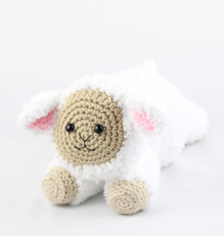 Lyle Crochet Lamb - Free Pattern - B.hooked Crochet | Easter ... | 921x874