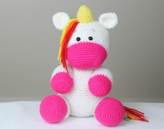 Free Crochet Unicorn Pattern - thefriendlyredfox.com | 429x545