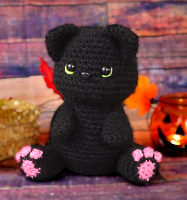 free black cat amigurumi crochet pattern