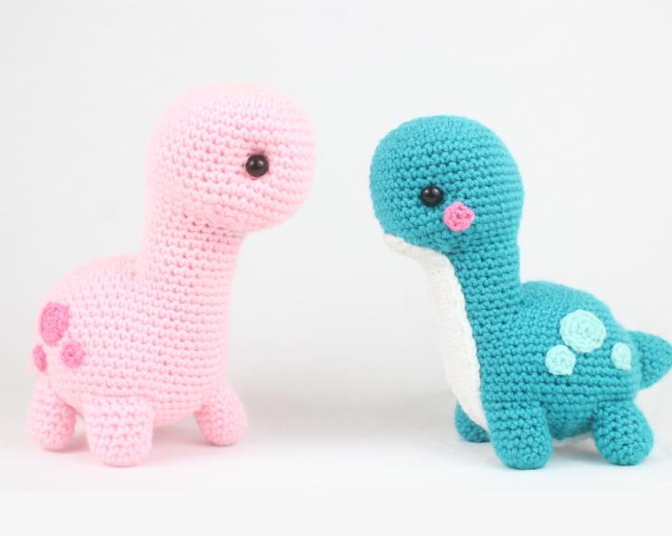 Free dinosaur amigurumi crochet pattern brontosaurus