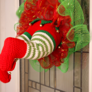 Free elf wreath amigurumi crochet pattern