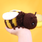 Free bee amigurumi crochet pattern