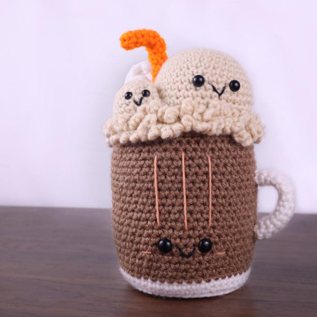 Free rootbeer float amigurumi crochet pattern