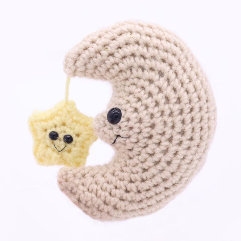 Free moon amigurumi crochet patttern