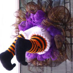 Free witch amigurumi crochet pattern wreath halloween