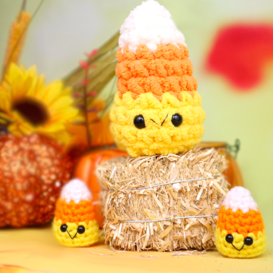 Free scrap mini candy corn amigurumi crochet pattern candy halloween