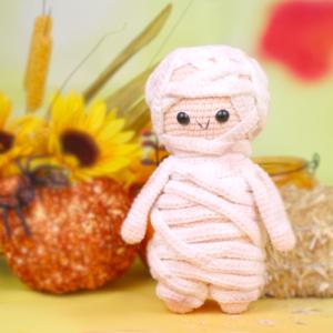 halloween free mummy amigurumi crochet pattern